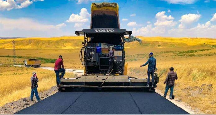 Beşiri'de 9,5 km beton asfalt serildi