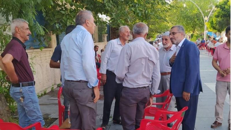 HÜDA PAR'DAN ESNAFA BAYRAM ZİYARETİ