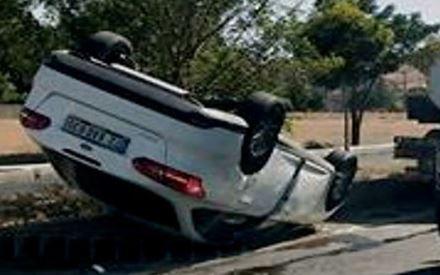 Kazada Araç Yan Yattı